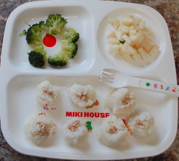 Baby finger food, toddler meal ideas - mommyoutnumbered.com 5