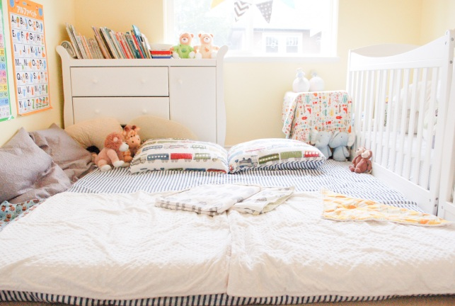 co-sleepint with twins room tour-mommyoutnumbered.com 2