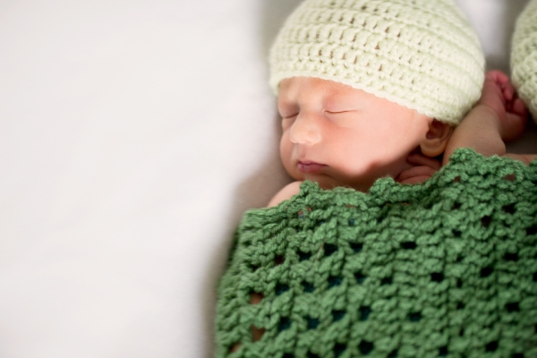 My twin boys' birth story- mommyoutnumbered.com - photo by saracannonphoto.com