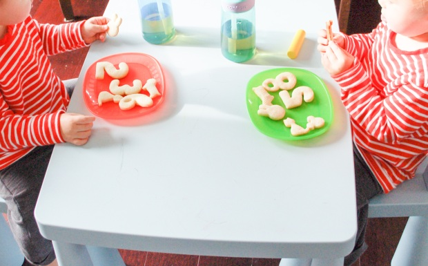 fun-and-educational-cookies-idea-for-toddlers-mommyoutnumbered-com4
